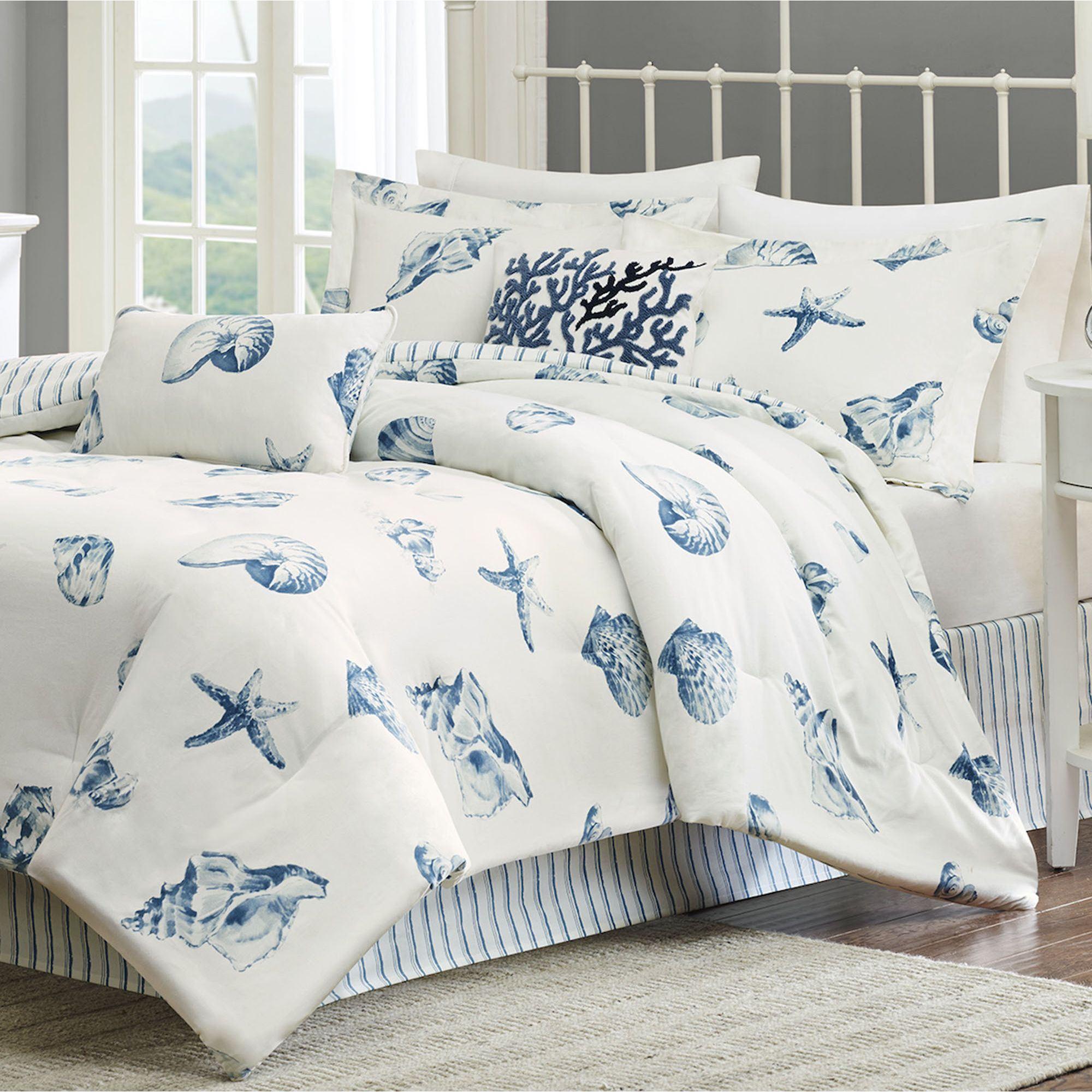 Image of: Coastal Living Bedding