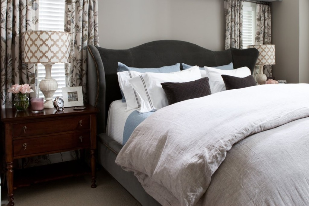 Image of: Contemporary Luxury Bedding Decorations