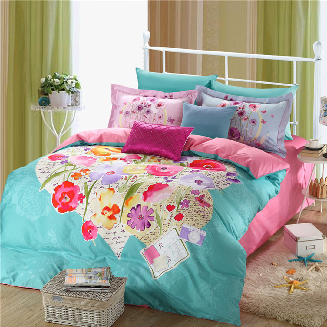 Image of: Contemporary Luxury Bedding Flowers