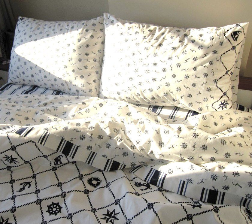 Image of: Nautical Bedding Queen King Size Duvet Cover Navy Stripe Choosing the Right Beach Bed Set