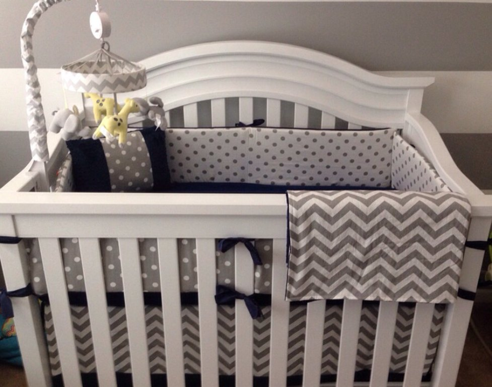 Image of: Navy Blue And White Crib Bedding