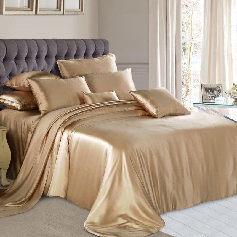 Image of: Silk Bed Comforter Set