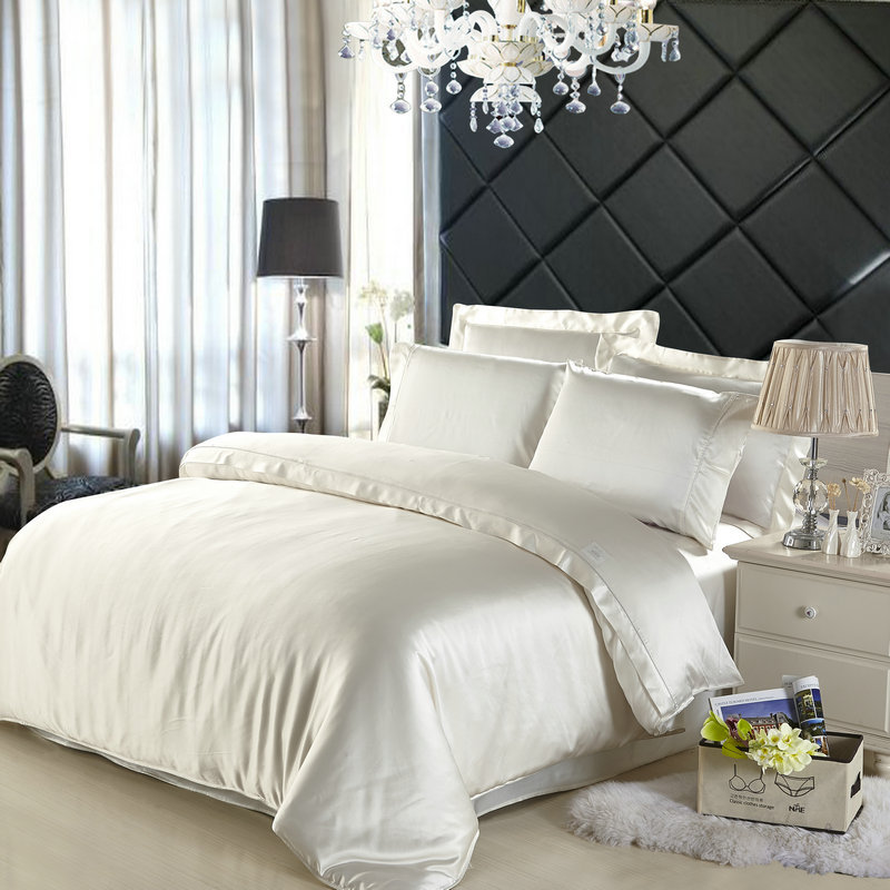 Image of: Silk Bed Set King Ideas