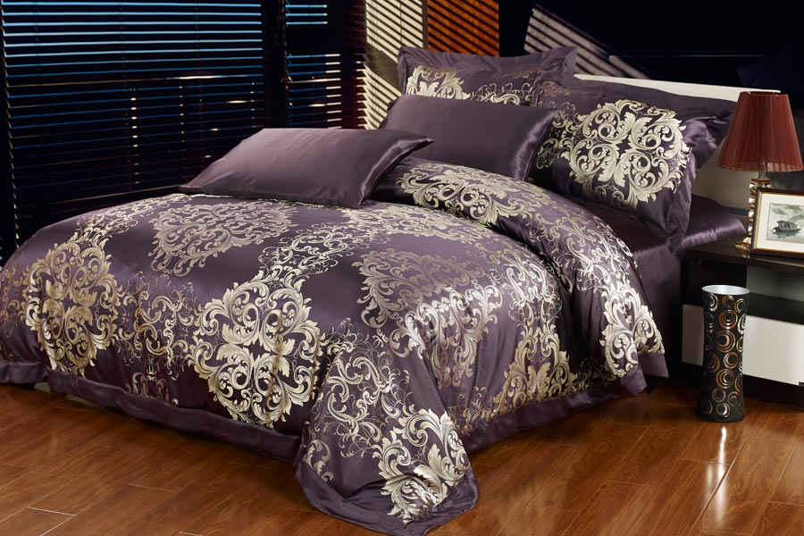 Image of: Silky Comforter Sets