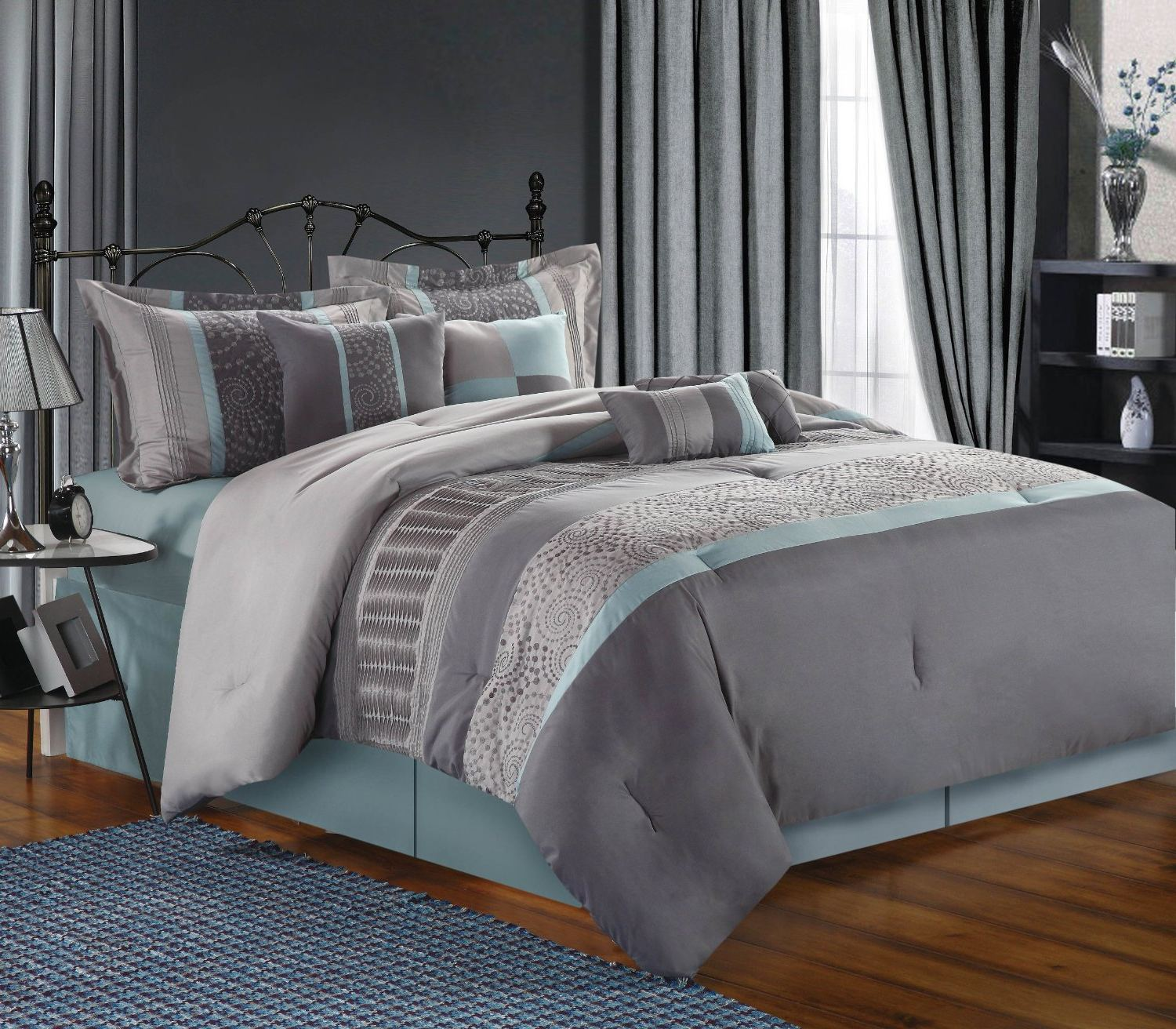 Image of: Teal and Gray Color Bedding