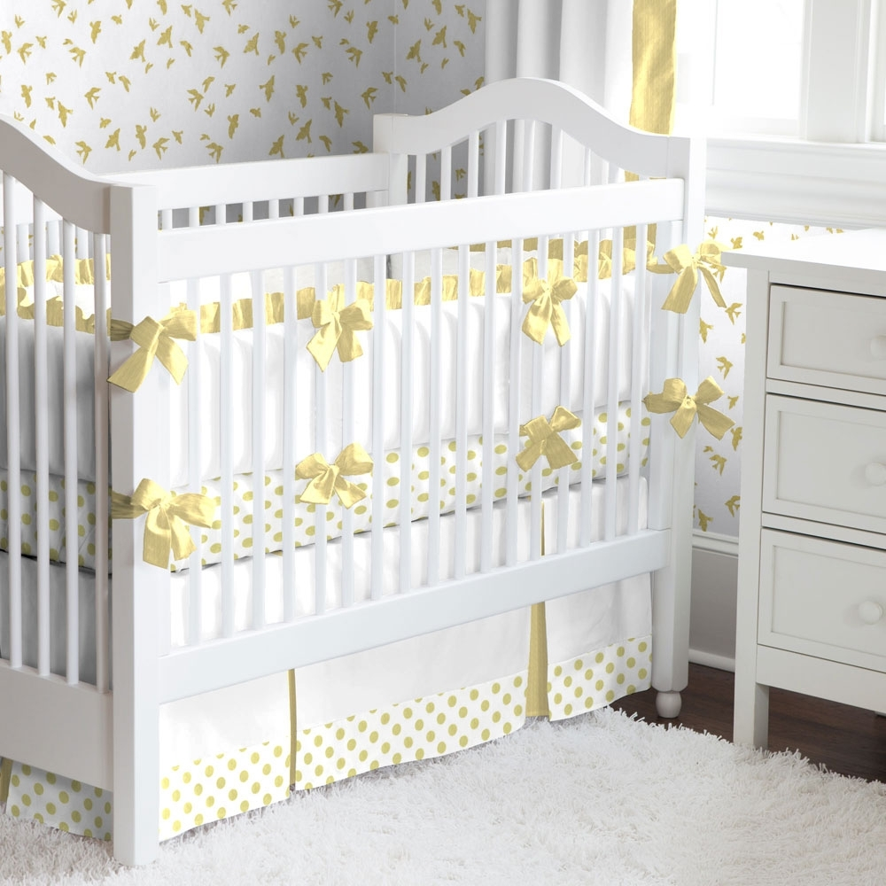 Image of: Yellow and White Bedding Sets Clearance