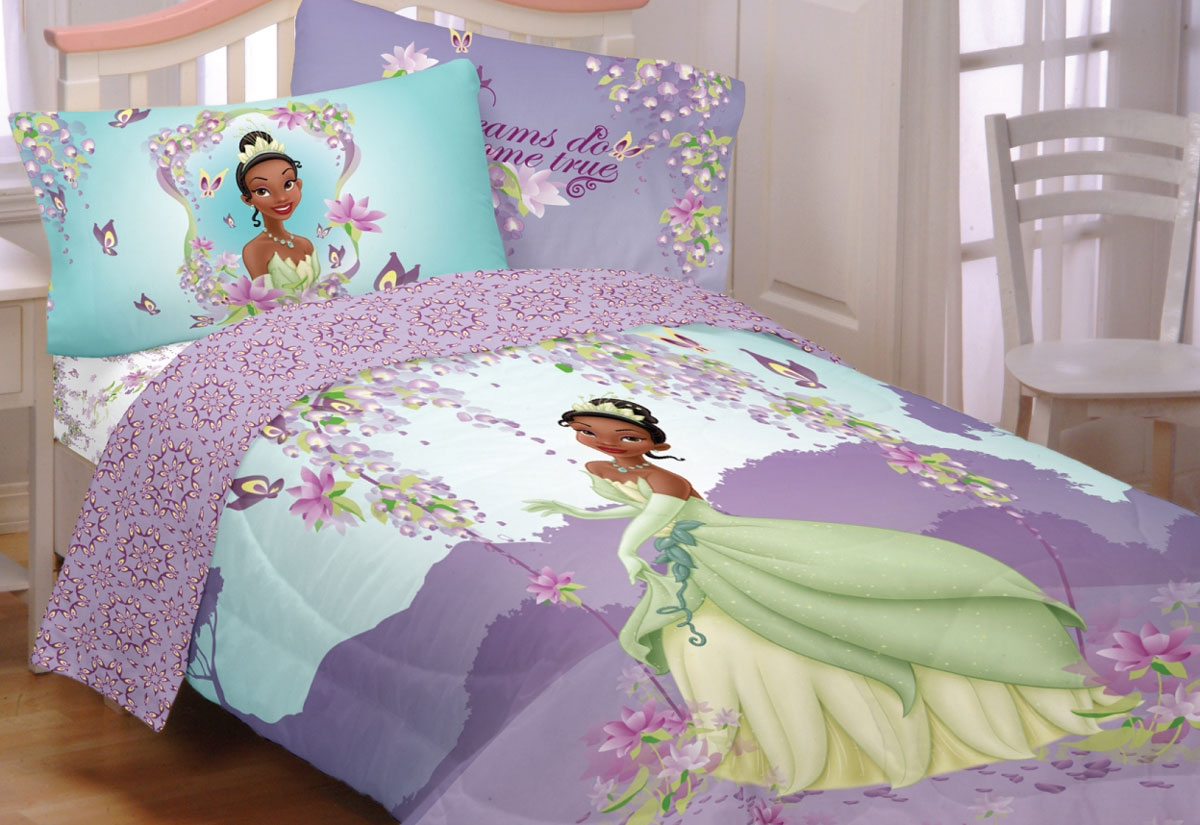 Image of: Beauty and the Beast Toddler Bedding Set