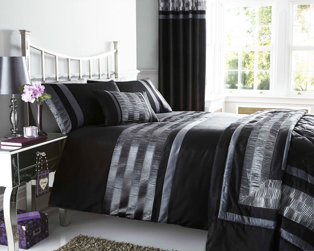 Image of: Black And White Striped Comforter