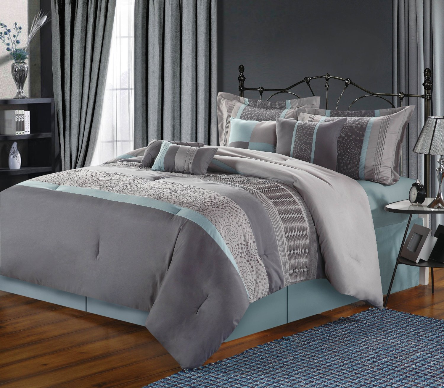 Image of: Blue and Grey Comforter King