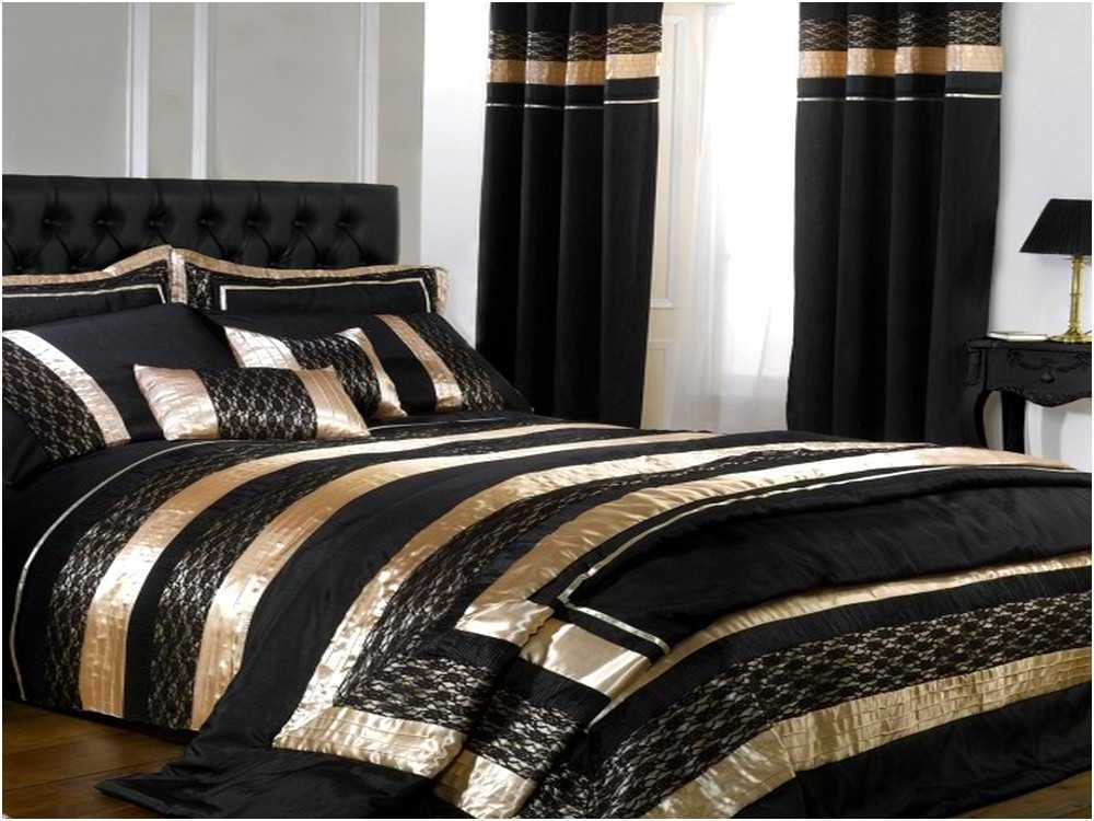 Image of: Dark And Gold Comforter