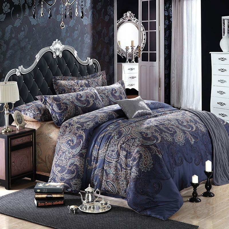 Image of: Dark Blue and Grey Bedding Queen