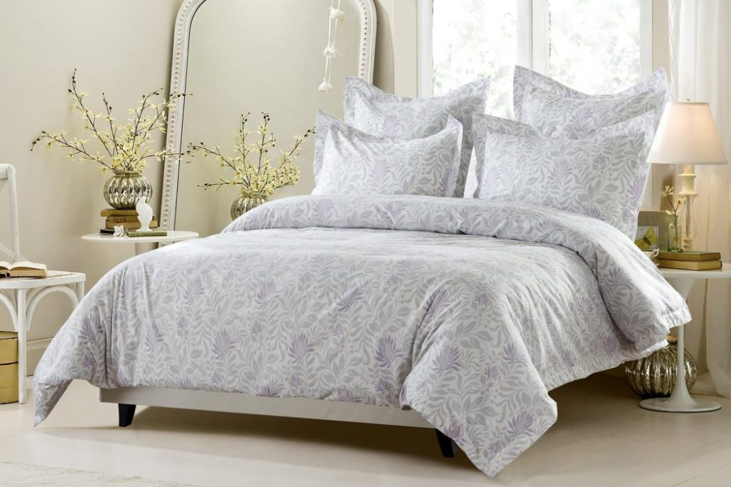 Image of: Discount Luxury Bedding Sets