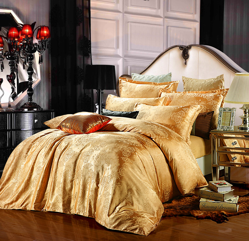 Image of: Gold Designer Bedding Collections