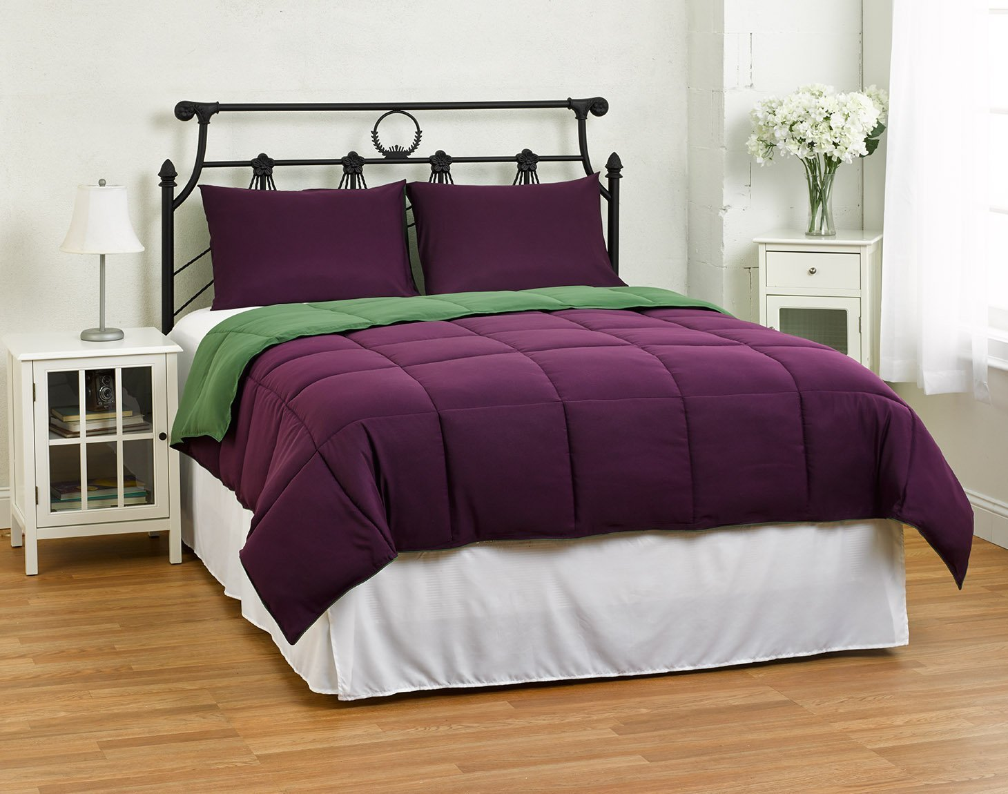 Image of: Green and Purple Bedding