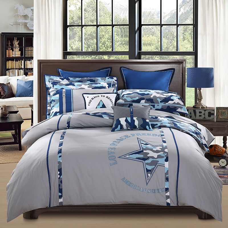 Image of: Navy and Gray Boy Bed Comforter