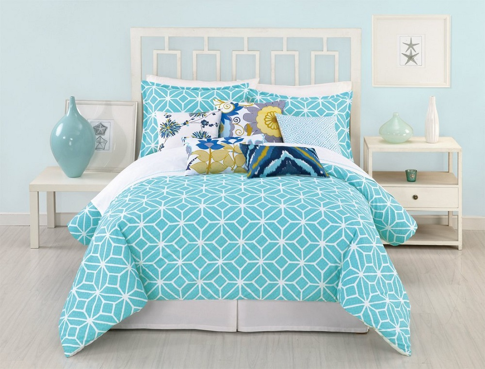 Image of: Coral And Turquoise Bed