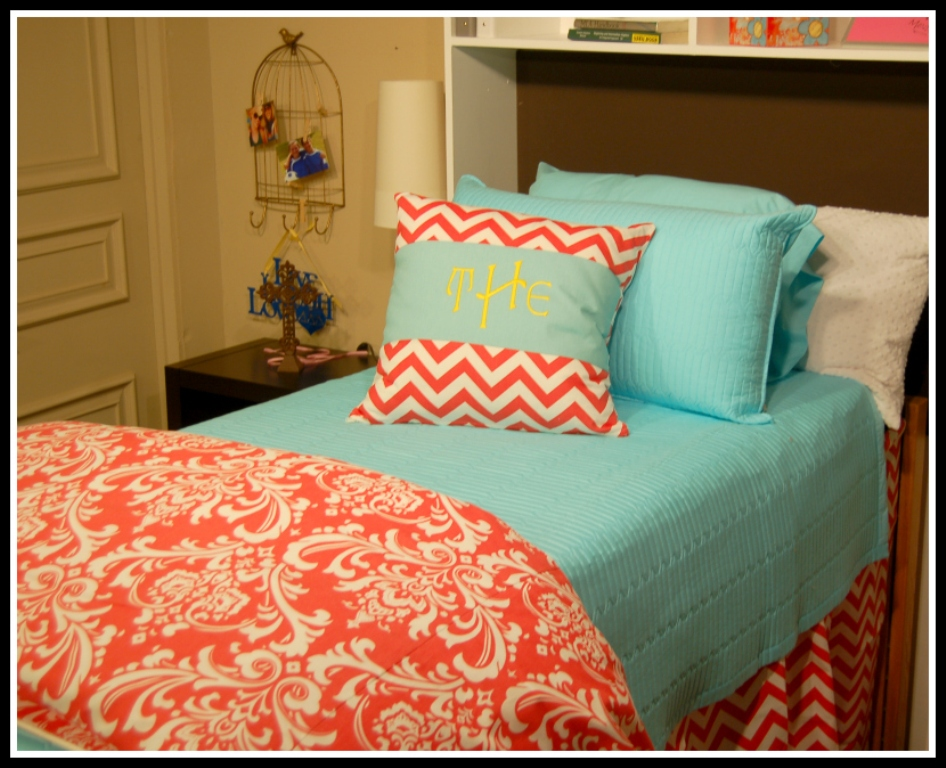 Image of: Coral And Turquoise Bedding Sets Design