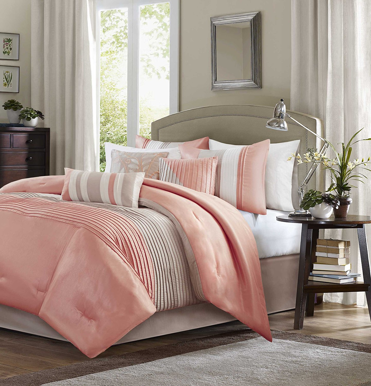 Image of: Coral Bedding Queen