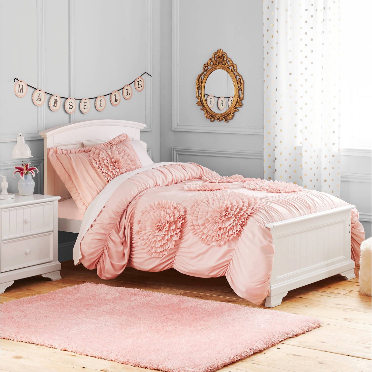 Image of: Girls Pink Ruffle Comforter Set