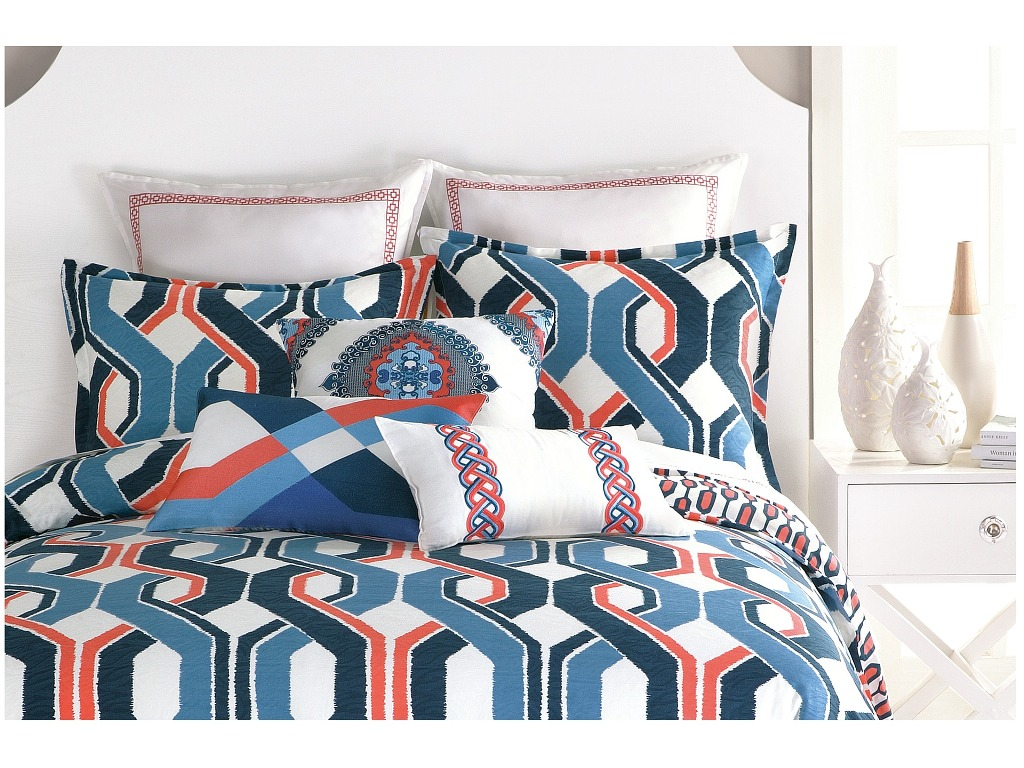 Image of: Modern Coral And Navy Bedding