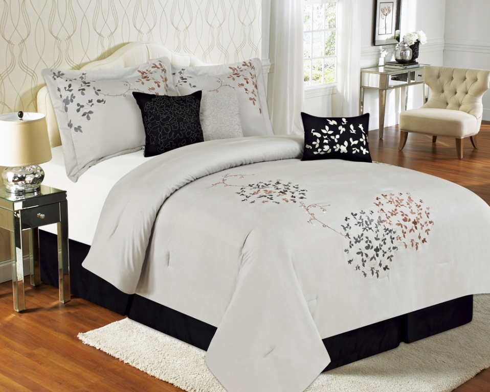 Image of: Modern Teenage Bedding And Curtain Sets