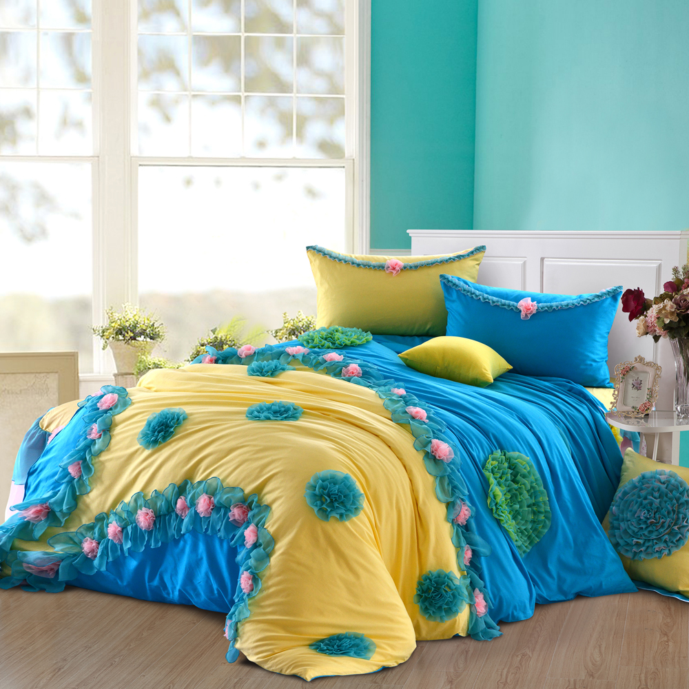 Image of: Navy Blue And Yellow Bedding