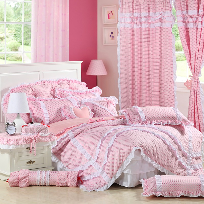 Image of: Pink Ruffle Bedding Queen Style