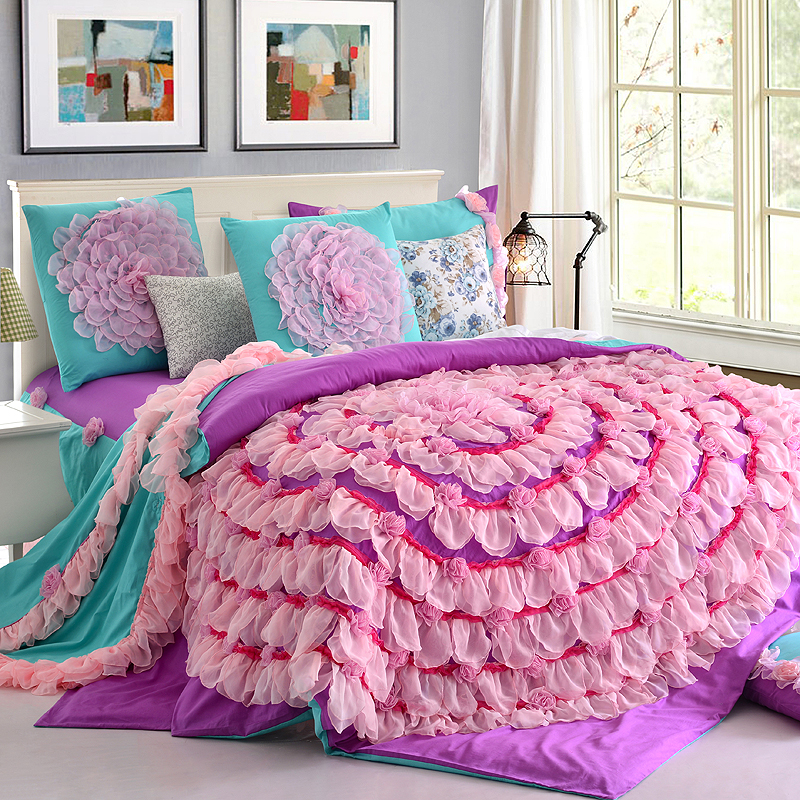 Image of: Pink Ruffle Bedding Queen