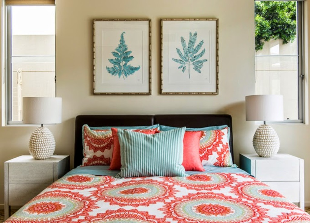 Image of: Turquoise And Coral Bedroom Decors