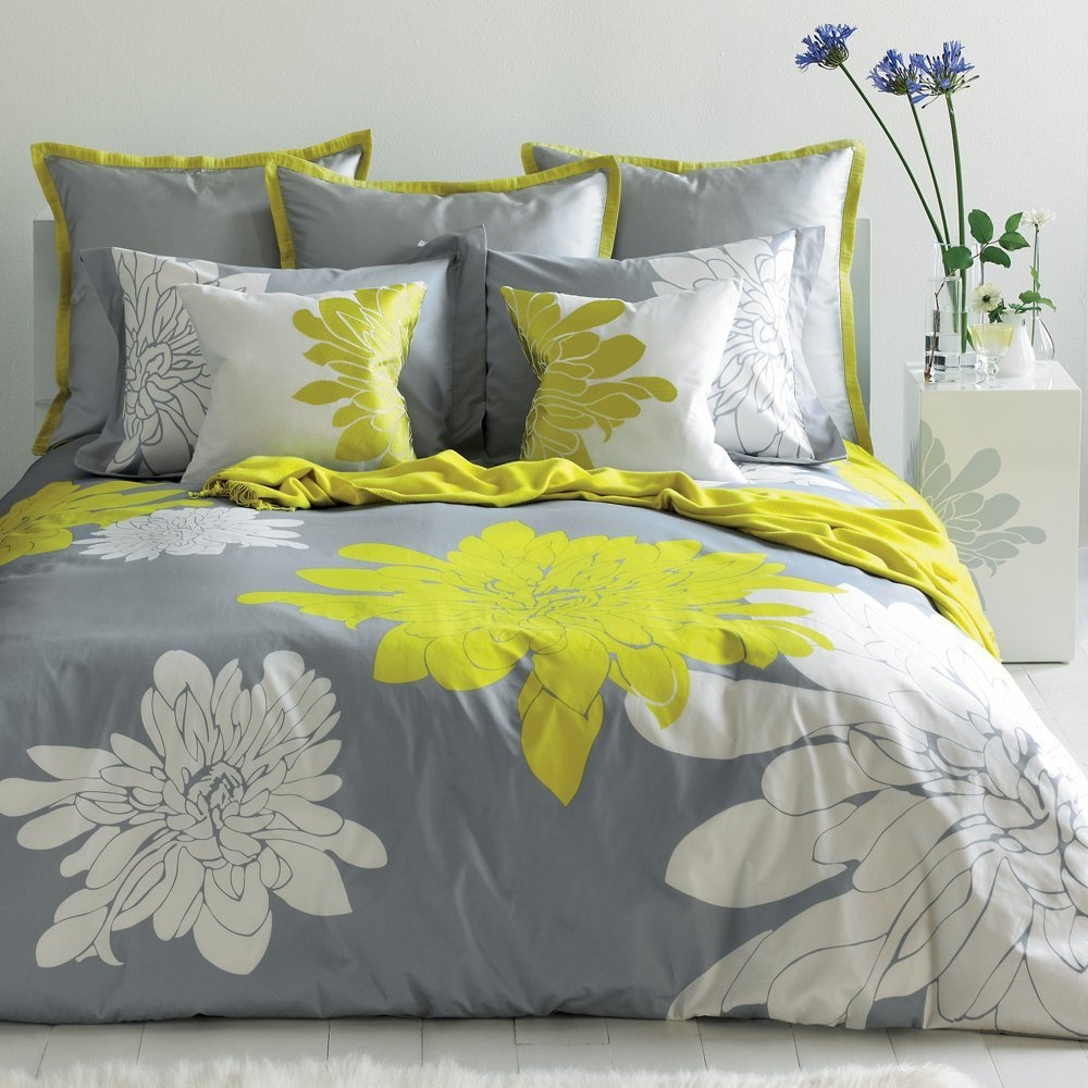 Image of: Yellow And Gray Comforter
