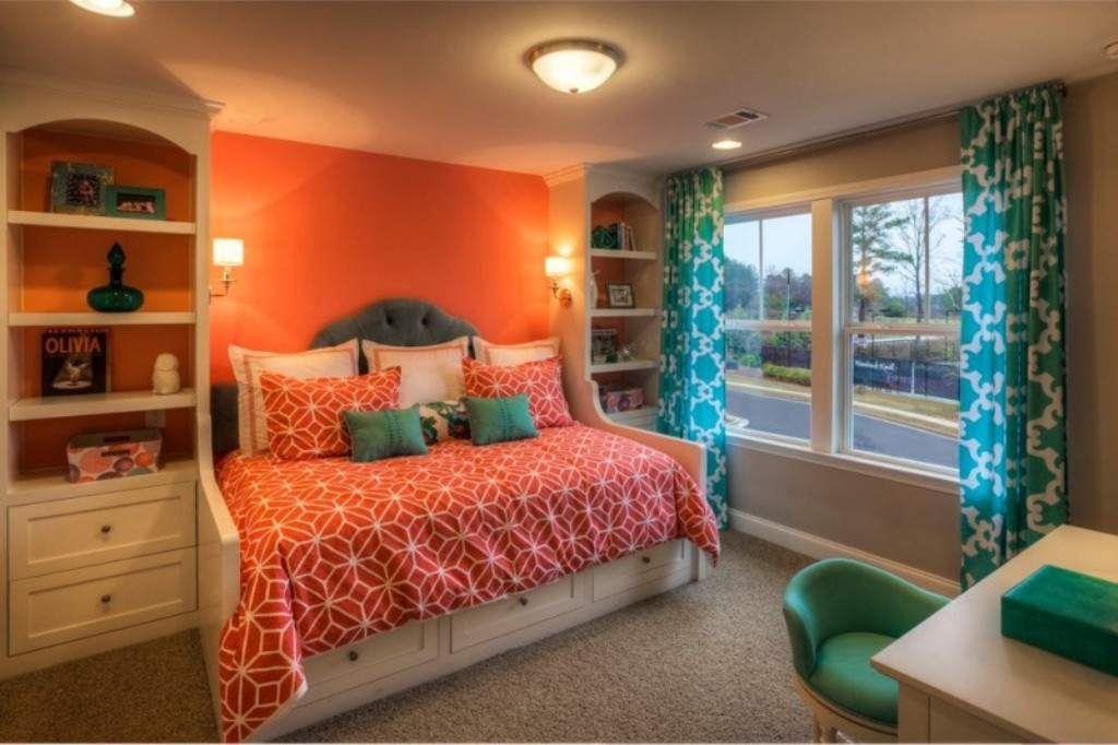 Image of: Beachy Bedding Coral And Turquoise