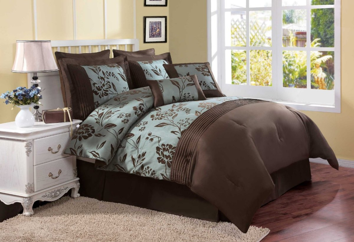 Image of: Brown And Beige Comforter Sets