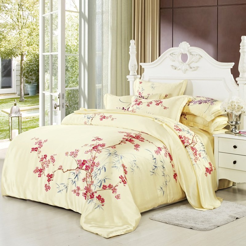 Image of: Comforter Set Queen Pink Tokida Relax and Escape Japanese Bed Set