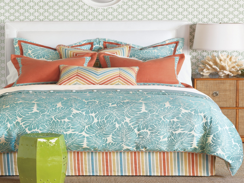Image of: Coral and Turquoise Bedding Ideas