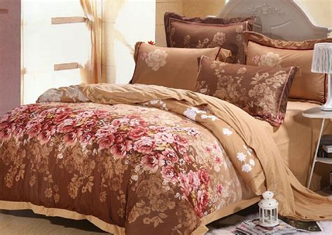 Image of: Discount Luxury Bedding Style