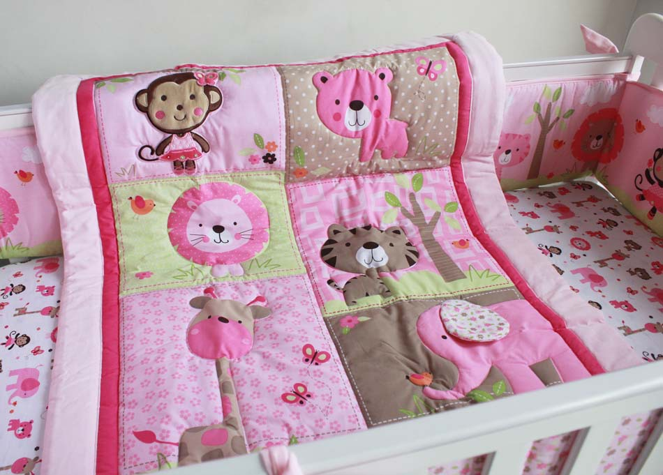 Image of: Elephant Crib Furniture Sets