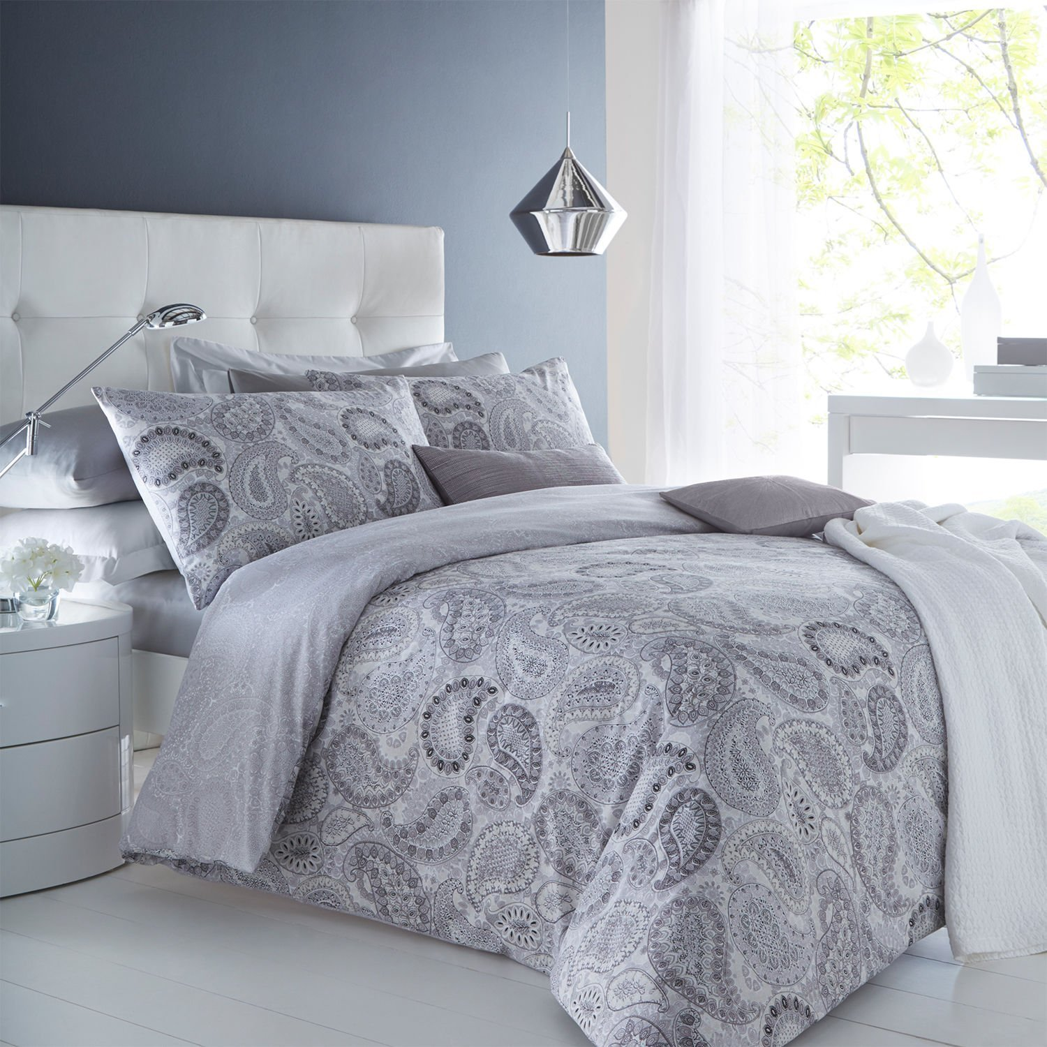 Image of: Gray Bedding Sets For Dorms