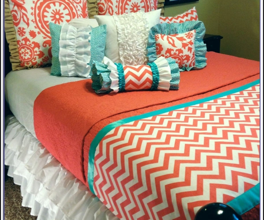 Image of: Grey Coral And Turquoise Bedding