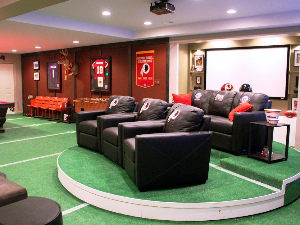 Image of: Man Caves Nfl Fan Cave Man Cafe Diy Ideas Decorate Softball Bedding Set