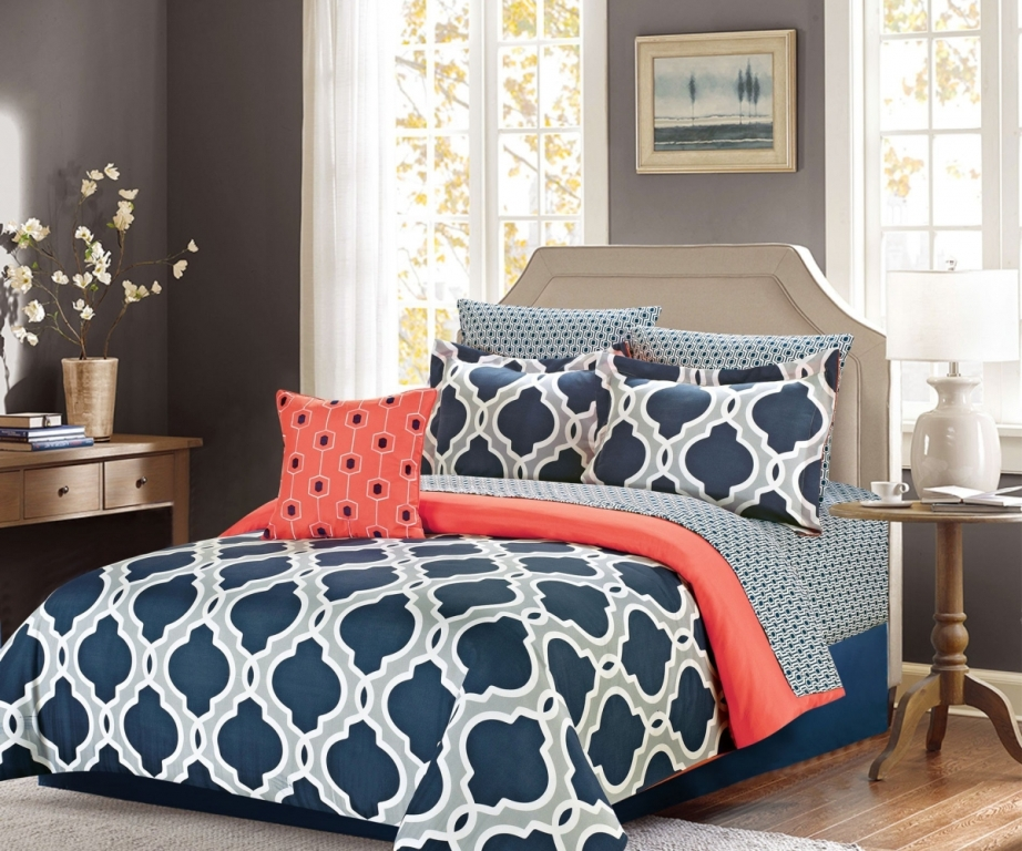 Image of: Navy Blue Coral And Turquoise Bedding
