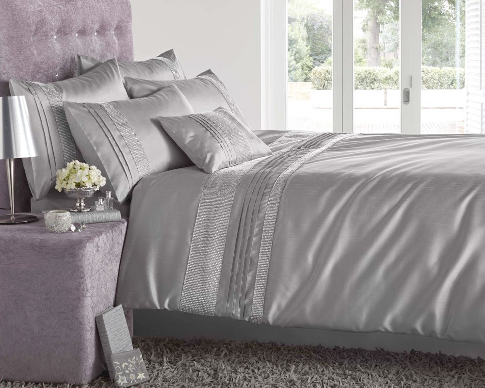 Image of: Silver and Gray Twin Quilt