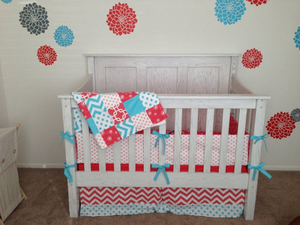 Image of: Turquoise And Coral Baby Bedding