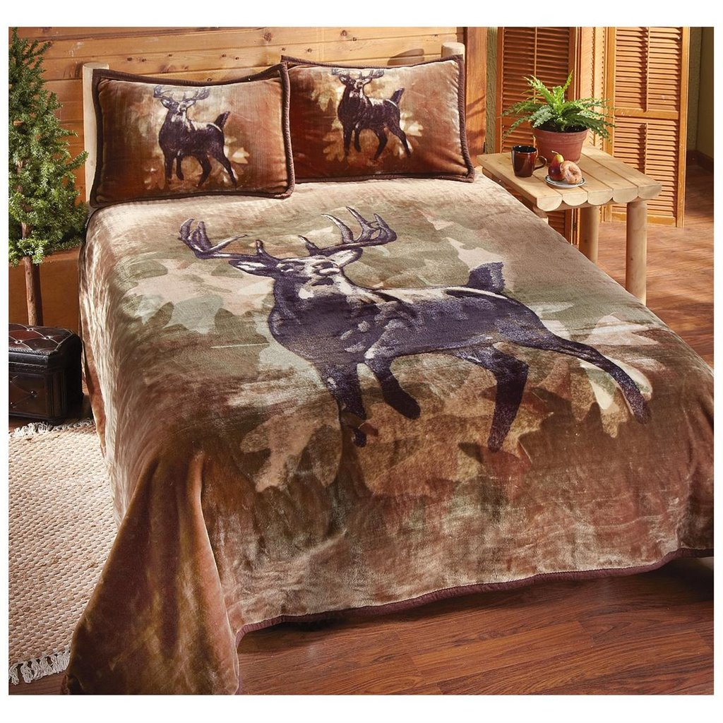 Image of: Vintage Camo Brown Deer Hunting Bedding Set Pine Get the Most Out of a Hunting Bed Sets