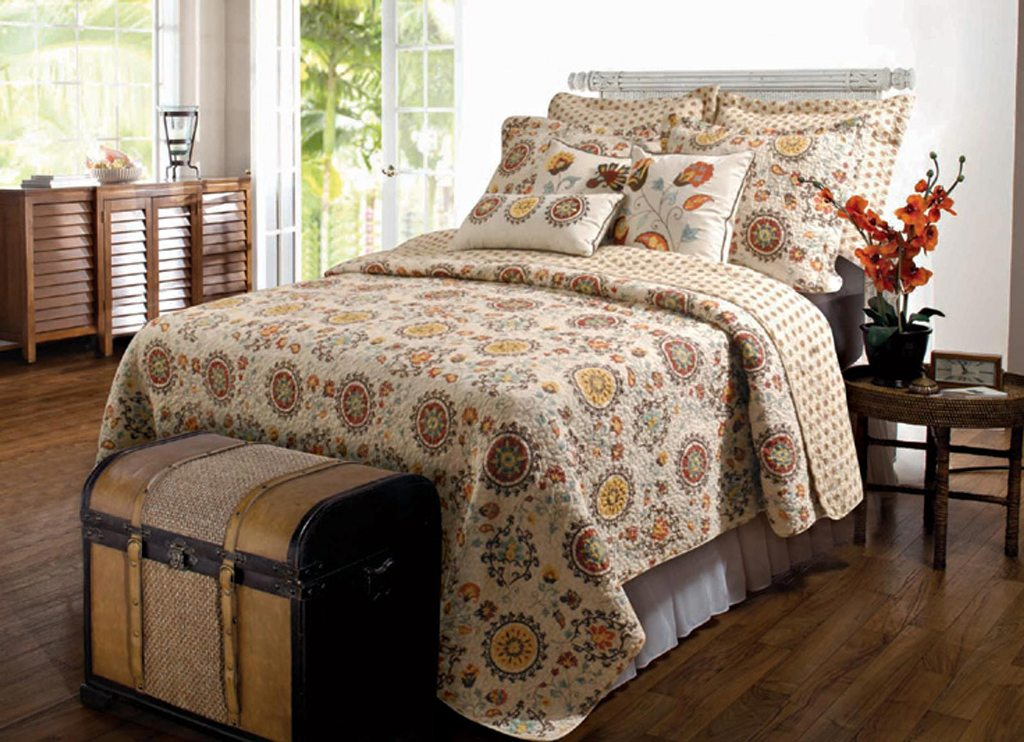 Image of: Boho Chic Bedding Quilts