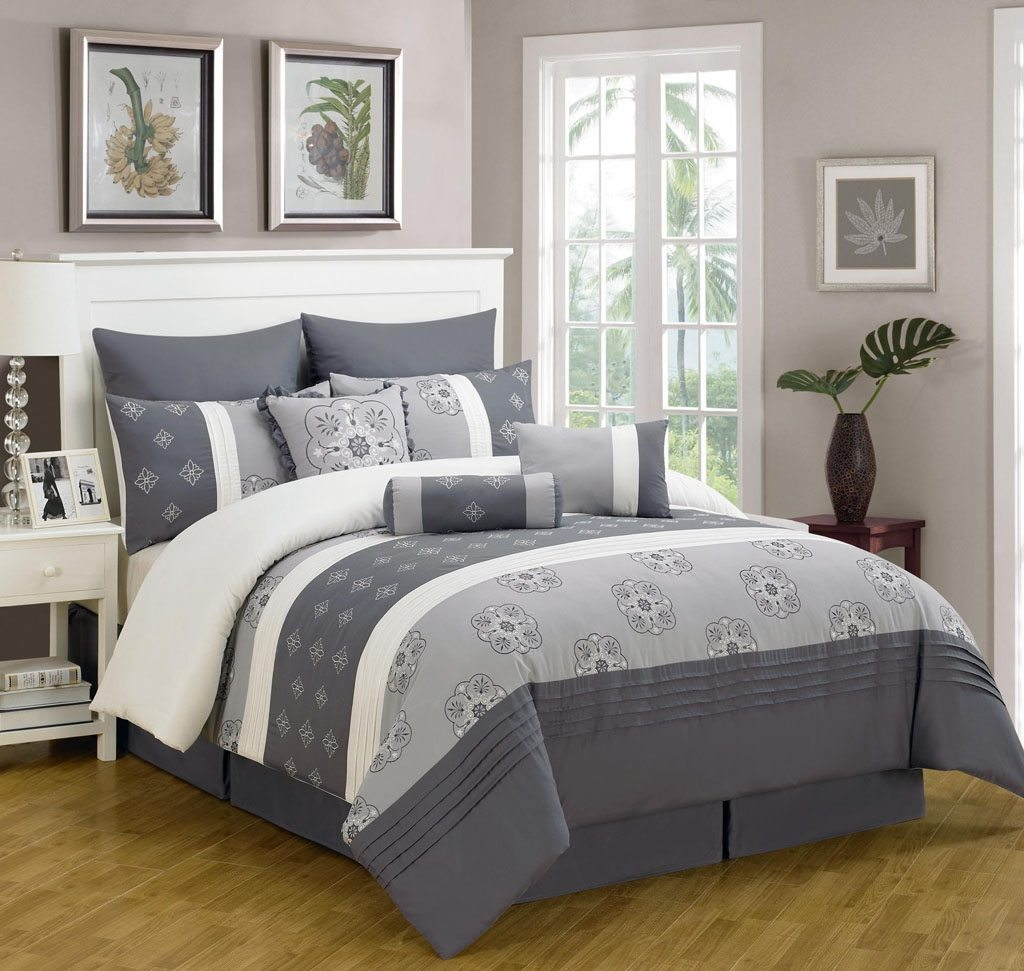 Image of: Coral and Gray Bedding Set