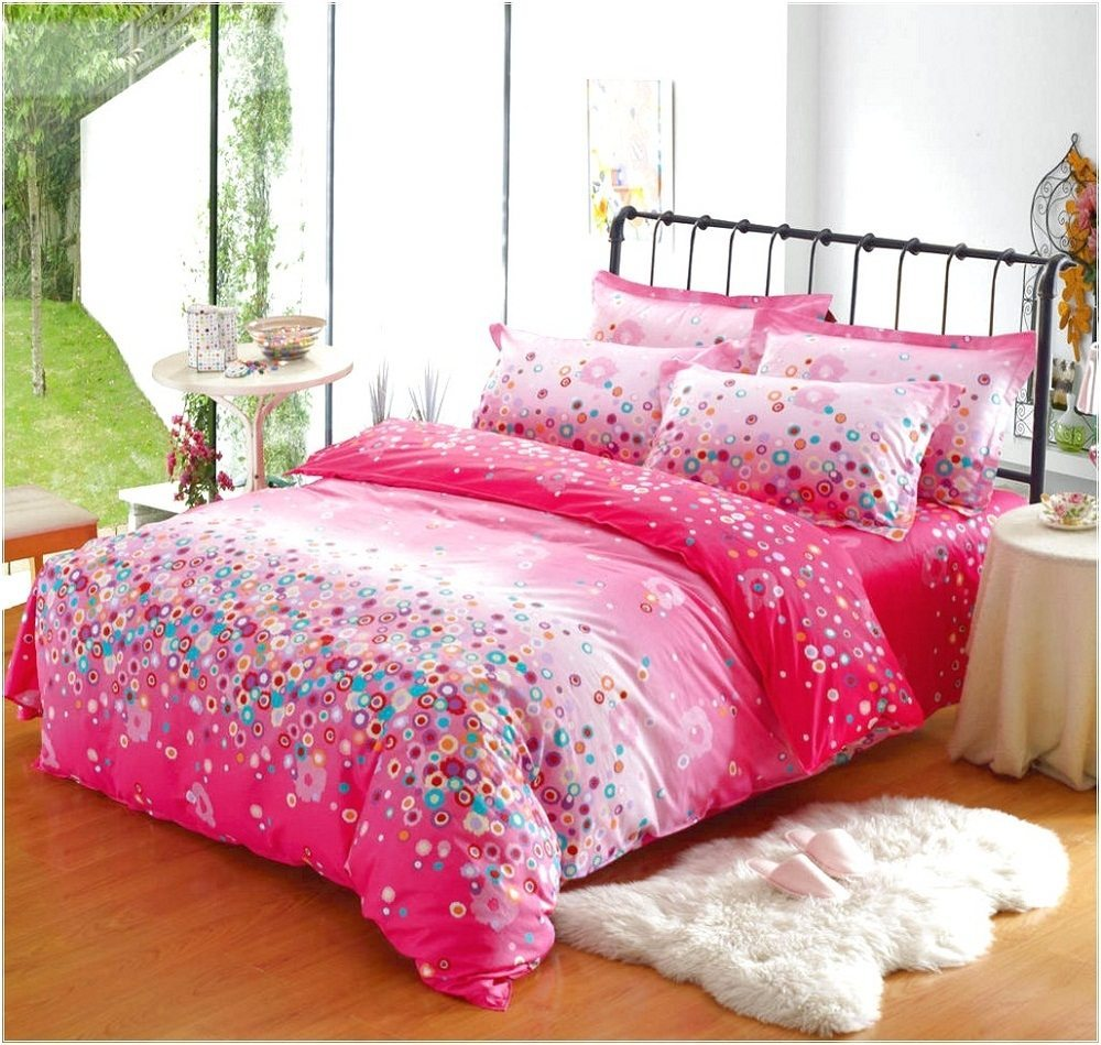 Image of: Cute Bedding Sets for Dorms