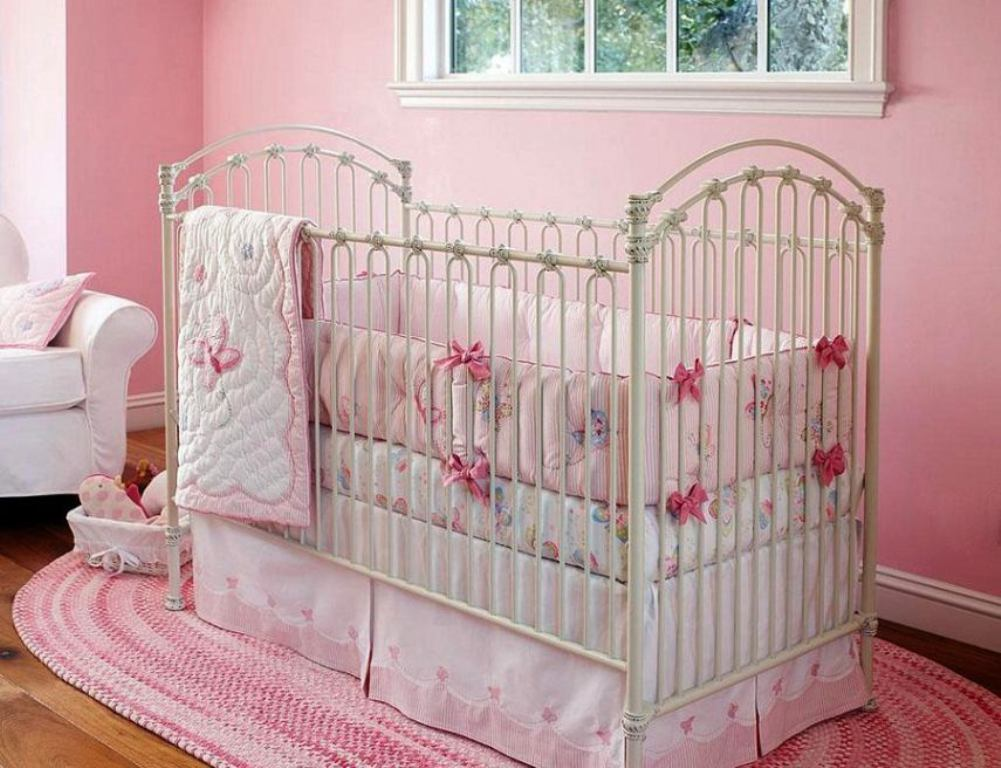 Image of: Cute Infant Girl Bedding