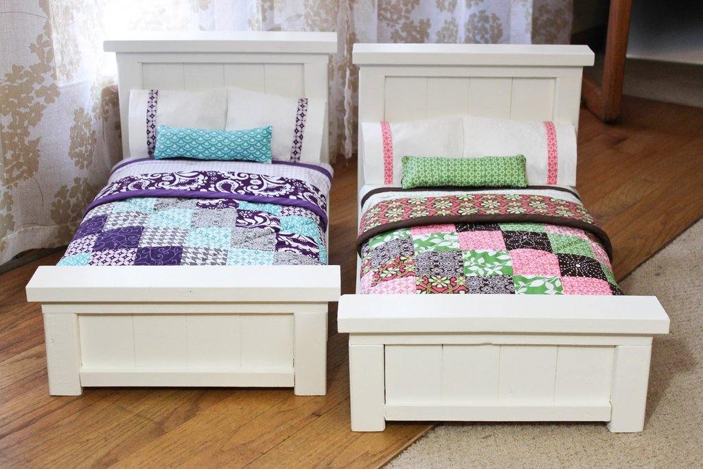 Image of: Dahlia Doxies Diy Doll Bed Tiny Quilt Fun Ideas Doll American Girl Bed Set