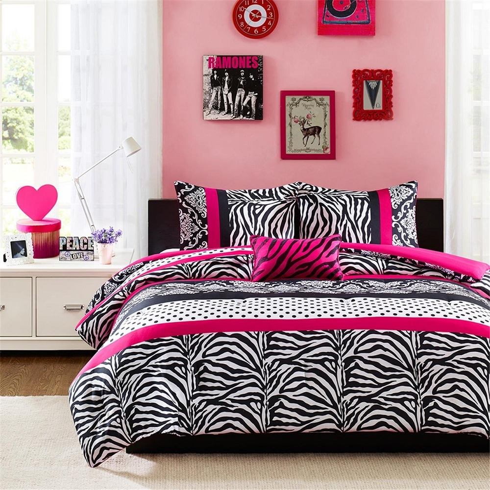 Image of: Grey And Pink Queen Bedding