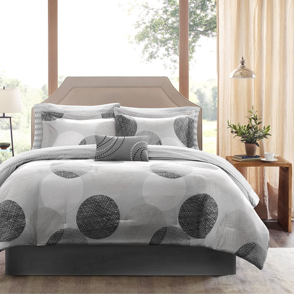 Image of: Modern Contemporary Elegant Chic Black Grey White Stripe Newest Trends Decoration Country Bed Sets